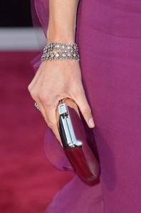 jennifer garner // mirrored clutch + neil lane bracelet