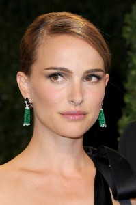 natalie portman // emerald drop earrings by anna hu haute joaillerie